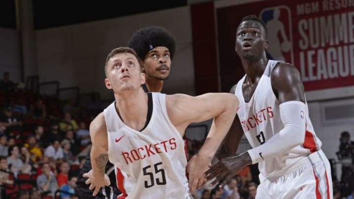 LAS VEGAS, NV - JULY 11: Isaiah Hartenstein #55 of the Houston Rockets boxes out Jarrett Allen #31 of the Brooklyn Nets during the 2018 Las Vegas Summer League on July 11, 2018 at the Cox Pavilion in Las Vegas, Nevada. NOTE TO USER: User expressly acknowledges and agrees that, by downloading and/or using this photograph, user is consenting to the terms and conditions of the Getty Images License Agreement. Mandatory Copyright Notice: Copyright 2018 NBAE (Photo by David Dow/NBAE via Getty Images)