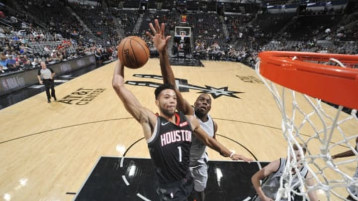 SAN ANTONIO, TX – NOVEMBER 30: Michael Carter-Williams #1 of the Houston Rockets dunks the ball against the San Antonio Spurs on November 30, 2018 at the AT&T Center in San Antonio, Texas. NOTE TO USER: User expressly acknowledges and agrees that, by downloading and or using this photograph, user is consenting to the terms and conditions of the Getty Images License Agreement. Mandatory Copyright Notice: Copyright 2018 NBAE (Photos by Mark Sobhani/NBAE via Getty Images)