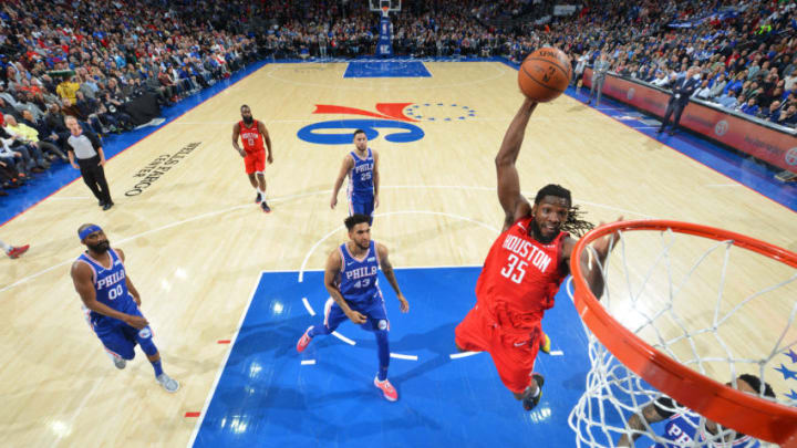 PHILADELPHIA, PA - JANUARY 21: Kenneth Faried #35 of the Houston Rockets goes to the basket for a dunk against the Philadelphia 76ers on January 21, 2019 at the Wells Fargo Center in Philadelphia, Pennsylvania NOTE TO USER: User expressly acknowledges and agrees that, by downloading and/or using this Photograph, user is consenting to the terms and conditions of the Getty Images License Agreement. Mandatory Copyright Notice: Copyright 2019 NBAE (Photo by Jesse D. Garrabrant/NBAE via Getty Images)