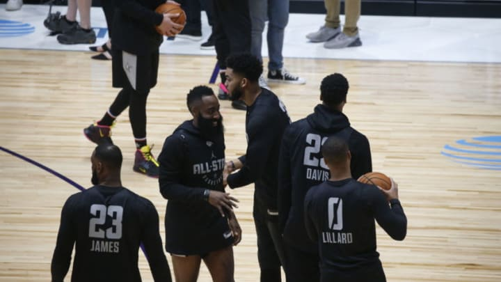 CHARLOTTE, NC - FEBRUARY 16: Anthony Davis #23 talks with James Harden #13 of Team LeBron during the 2019 NBA All-Star Practice & Media Day presented by AT&T on February 16, 2019 at Bojangles Coliseum in Charlotte, North Carolina. NOTE TO USER: User expressly acknowledges and agrees that, by downloading and or using this photograph, User is consenting to the terms and conditions of the Getty Images License Agreement. Mandatory Copyright Notice: Copyright 2019 NBAE (Photo by Michelle Farsi/NBAE via Getty Images)