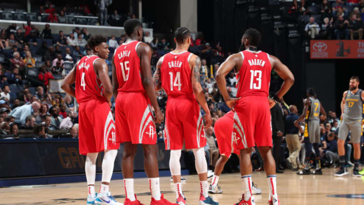 The Houston Rockets huddles up against the Memphis Grizzlies (Photo by Joe Murphy/NBAE via Getty Images)