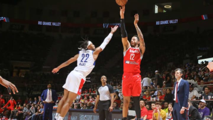 EDINBURG, TX – April 9: Vincent Edwards #12 of the Rio Grande Valley Vipers shoots the ball against the Long Island Nets on April 9, 2019 at the Bert Ogden Arena in Edinburg, Texas. NOTE TO USER: User expressly acknowledges and agrees that, by downloading and/or using this Photograph, user is consenting to the terms and conditions of the Getty Images License Agreement. Mandatory Copyright Notice: Copyright 2019 NBAE (Photo by Christian Inoferio/NBAE via Getty Images)