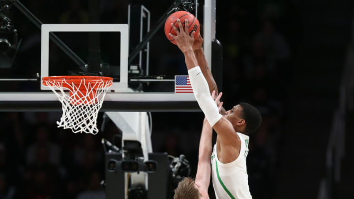 SAN JOSE, CALIFORNIA - MARCH 24: Kenny Wooten #14 of the Oregon Ducks dunks against Tommy Rutherford #42 of the UC Irvine Anteaters in the first half during the second round of the 2019 NCAA Men's Basketball Tournament at SAP Center on March 24, 2019 in San Jose, California. (Photo by Ezra Shaw/Getty Images)
