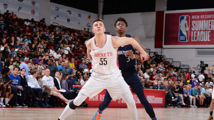 Las Vegas, NV – JULY 6: Isaiah Hartenstein #55 of the Houston Rockets fights for position during the game against the Dallas Mavericks during Day 2 of the 2019 Las Vegas Summer League on July 6, 2019 at the Cox Pavilion in Las Vegas, Nevada. NOTE TO USER: User expressly acknowledges and agrees that, by downloading and or using this Photograph, user is consenting to the terms and conditions of the Getty Images License Agreement. Mandatory Copyright Notice: Copyright 2019 NBAE (Photo by Bart Young/NBAE via Getty Images)