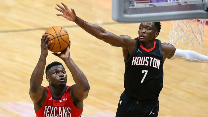 Zion Williamson #1 of the New Orleans Pelicans, Victor Oladipo #7 of the Houston Rockets (Photo by Jonathan Bachman/Getty Images)