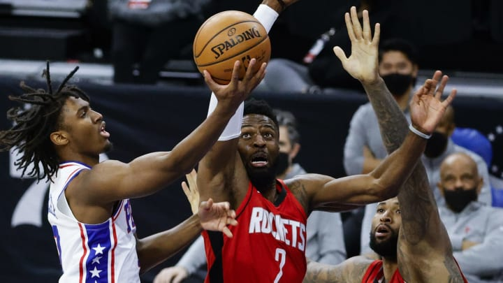 Tyrese Maxey #0 of the Philadelphia 76ers, David Nwaba #2 of the Houston Rockets (Photo by Tim Nwachukwu/Getty Images)
