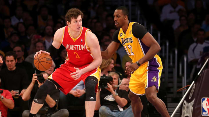 Omer Asik (Photo by Stephen Dunn/Getty Images)
