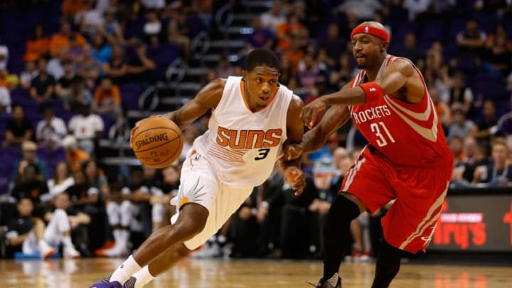 PHOENIX, AZ - OCTOBER 13: Brandon Knight #3 of the Phoenix Suns drives the ball past Jason Terry #31 of the Houston Rockets during the preseason NBA game at Talking Stick Resort Arena on October 13, 2015 in Phoenix, Arizona. NOTE TO USER: User expressly acknowledges and agrees that, by downloading and or using this photograph, User is consenting to the terms and conditions of the Getty Images License Agreement. (Photo by Christian Petersen/Getty Images)