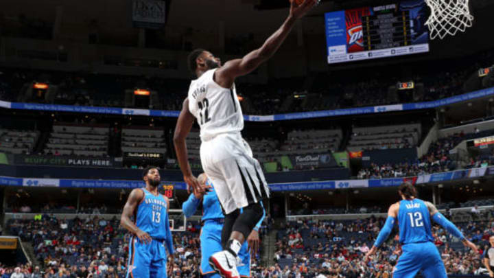 MEMPHIS, TN – FEBRUARY 14: Tyreke Evans #12 of the Memphis Grizzlies drives to the basket against the Oklahoma City Thunder on February 14, 2018 at FedExForum in Memphis, Tennessee. NOTE TO USER: User expressly acknowledges and agrees that, by downloading and or using this photograph, User is consenting to the terms and conditions of the Getty Images License Agreement. Mandatory Copyright Notice: Copyright 2018 NBAE (Photo by Joe Murphy/NBAE via Getty Images)