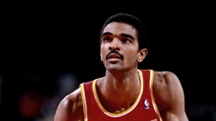 PORTLAND, OR – 1986: Ralph Sampson #50 of the Hoston Rockets shoots a free throw during a game played in 1986 at the Veterans Memorial Coliseum in Portland, Oregon. NOTE TO USER: User expressly acknowledges and agrees that, by downloading and or using this photograph, User is consenting to the terms and conditions of the Getty Images License Agreement. Mandatory Copyright Notice: Copyright 1986 NBAE (Photo by Brian Drake/NBAE via Getty Images)