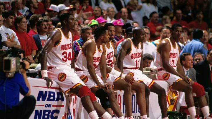 HOUSTON – JUNE 22: Hakeem Olajuwon #34, Kenny Smith #30, Robert Horry #25, Vernon Maxwell #11 and Otis Thorpe #33 of the Houston Rockets. Copyright 1994 NBAE (Photo by Nathaniel S. Butler/NBAE via Getty Images)