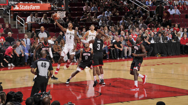 HOUSTON, TX – OCTOBER 17: Elfrid Payton #4 of the New Orleans Pelicans shoots the ball against the Houston Rockets during a game on October 17, 2018 at Toyota Center, in Houston, Texas. NOTE TO USER: User expressly acknowledges and agrees that, by downloading and/or using this Photograph, user is consenting to the terms and conditions of the Getty Images License Agreement. Mandatory Copyright Notice: Copyright 2018 NBAE (Photo by Bill Baptist/NBAE via Getty Images)