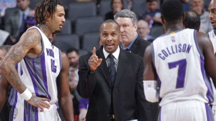 SACRAMENTO, CA - MARCH 1: Assistant coach Elston Turner of the Sacramento Kings coaches against the Brooklyn Nets on March 1, 2017 at Golden 1 Center in Sacramento, California. NOTE TO USER: User expressly acknowledges and agrees that, by downloading and or using this photograph, User is consenting to the terms and conditions of the Getty Images Agreement. Mandatory Copyright Notice: Copyright 2017 NBAE (Photo by Rocky Widner/NBAE via Getty Images)