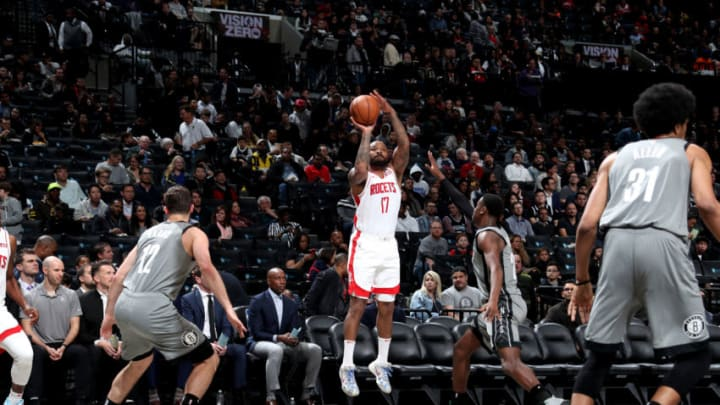 BROOKLYN, NY - NOVEMBER 1: PJ Tucker #17 of the Houston Rockets shoots the ball against the Brooklyn Nets on November 1, 2019 at Barclays Center in Brooklyn, New York. NOTE TO USER: User expressly acknowledges and agrees that, by downloading and or using this Photograph, user is consenting to the terms and conditions of the Getty Images License Agreement. Mandatory Copyright Notice: Copyright 2019 NBAE (Photo by Nathaniel S. Butler/NBAE via Getty Images)