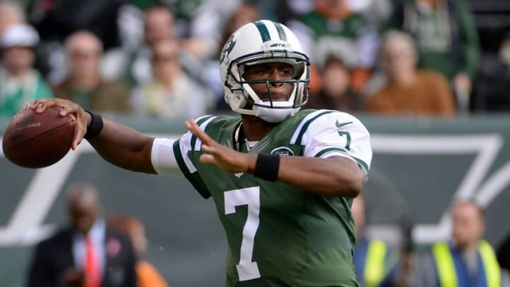 Oct 26, 2014; East Rutherford, NJ, USA; New York Jets quarterback Geno Smith (7) throws the ball against the Buffalo Bills during the first quarter at MetLife Stadium. Mandatory Credit: Robert Deutsch-USA TODAY Sports