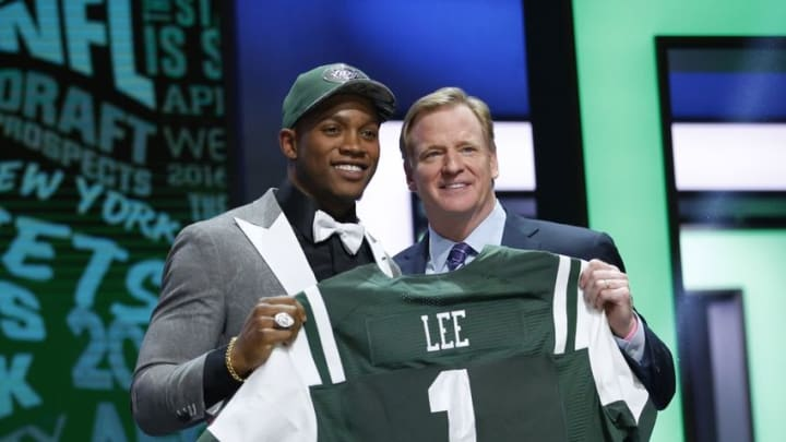 Apr 28, 2016; Chicago, IL, USA; Darron Lee (Ohio State) with NFL commissioner Roger Goodell after being selected by the New York Jets as the number twenty overall pick in the first round of the 2016 NFL Draft at Auditorium Theatre. Mandatory Credit: Kamil Krzaczynski-USA TODAY Sports