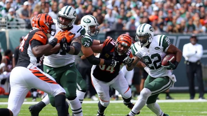 Sep 11, 2016; East Rutherford, NJ, USA; New York Jets running back Matt Forte (22) runs the ball against the Cincinnati Bengals during the second quarter at MetLife Stadium. Mandatory Credit: Brad Penner-USA TODAY Sports