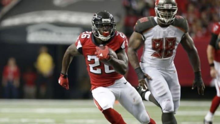 Sep 11, 2016; Atlanta, GA, USA; Atlanta Falcons running back