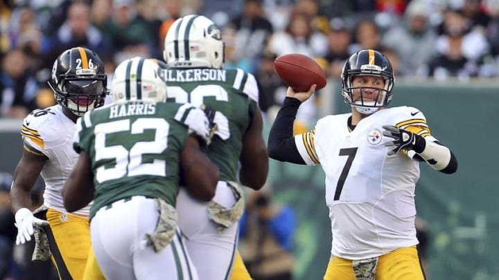 Nov 9, 2014; East Rutherford, NJ, USA; Pittsburgh Steelers quarterback Ben Roethlisberger (7) passes against the New York Jets during the third quarter at MetLife Stadium. The Jets defeated the Steelers 20-13. Mandatory Credit: Adam Hunger-USA TODAY Sports