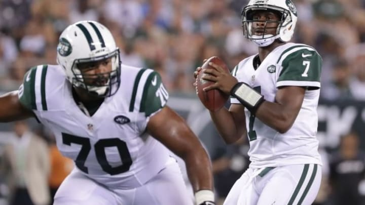 Aug 11, 2016; East Rutherford, NJ, USA; New York Jets quarterback Geno Smith (7) looks to pass during the preseason game against the Jacksonville Jaguars at MetLife Stadium. The Jets won, 17-13. Mandatory Credit: Vincent Carchietta-USA TODAY Sports