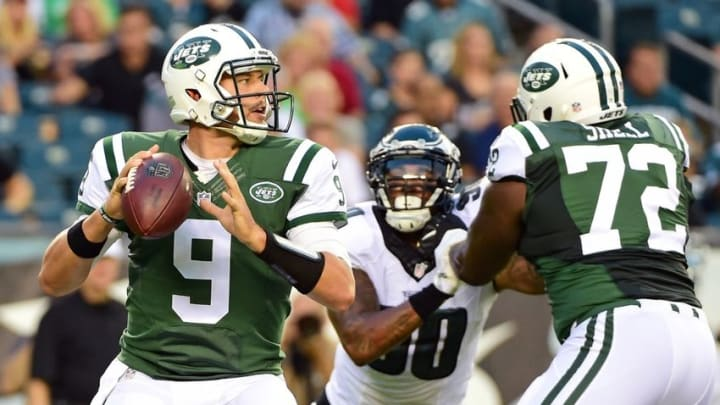 Sep 1, 2016; Philadelphia, PA, USA; New York Jets quarterback Bryce Petty (9) throws a pass against the Philadelphia Eagles during the first quarter at Lincoln Financial Field. Mandatory Credit: Eric Hartline-USA TODAY Sports