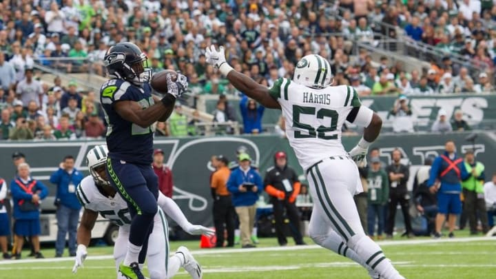 Oct 2, 2016; East Rutherford, NJ, USA; Seattle Seahawks running back C.J. Spiller (28) catches a ball for a touchdown against the New York Jets in the first half at MetLife Stadium. Mandatory Credit: William Hauser-USA TODAY Sports