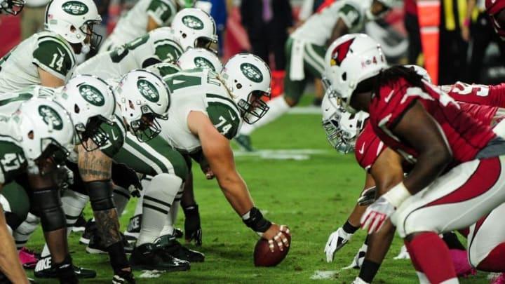 Oct 17, 2016; Glendale, AZ, USA; The New York Jets offense squares off against the Arizona Cardinals defense at University of Phoenix Stadium. Mandatory Credit: Matt Kartozian-USA TODAY Sports