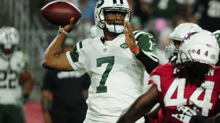 Oct 17, 2016; Glendale, AZ, USA; New York Jets quarterback Geno Smith (7) looks to pass during the second half against the Arizona Cardinals at University of Phoenix Stadium. Mandatory Credit: Matt Kartozian-USA TODAY Sports