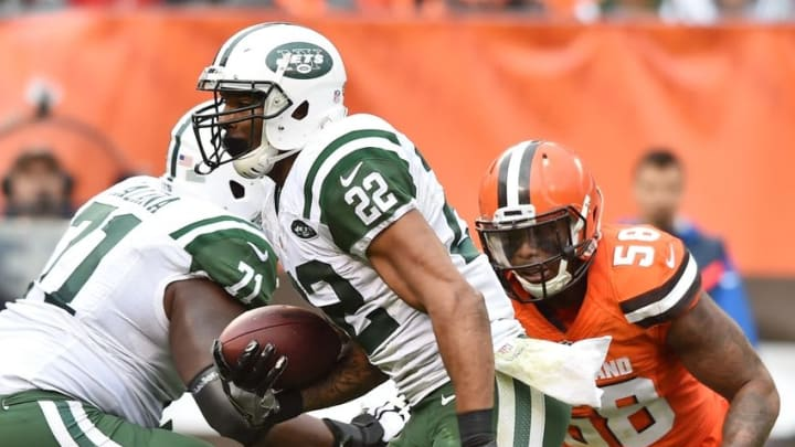 Oct 30, 2016; Cleveland, OH, USA; New York Jets running back Matt Forte (22) runs the ball as Cleveland Browns inside linebacker Chris Kirksey (58) gives chase during the second half at FirstEnergy Stadium. Mandatory Credit: Ken Blaze-USA TODAY Sports