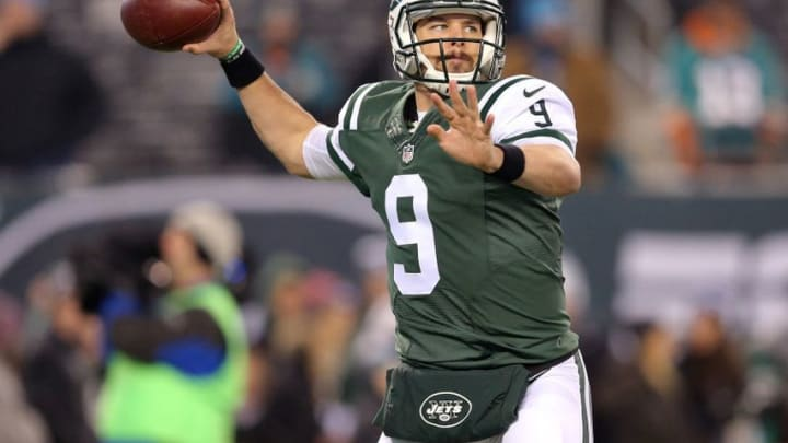 Dec 17, 2016; East Rutherford, NJ, USA; New York Jets quarterback Bryce Petty (9) throws a pass during warm ups before a game against the Miami Dolphins at MetLife Stadium. Mandatory Credit: Brad Penner-USA TODAY Sports