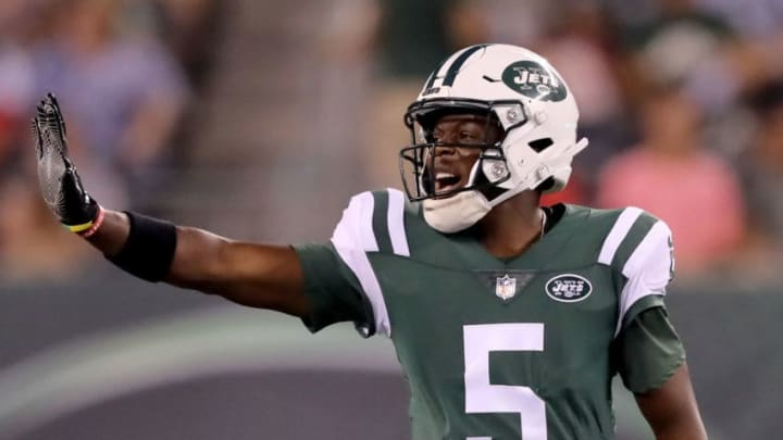 EAST RUTHERFORD, NJ - AUGUST 10: Teddy Bridgewater #5 of the New York Jets calls out the play in the first half against the Atlanta Falcons during a preseason game at MetLife Stadium on August 10, 2018 in East Rutherford, New Jersey. (Photo by Elsa/Getty Images)