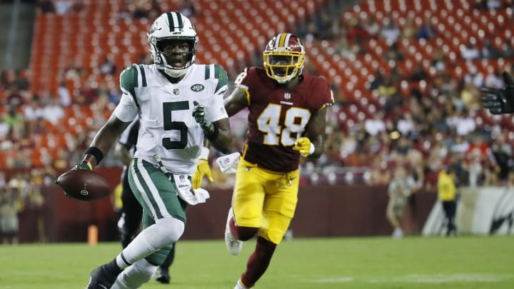 LANDOVER, MD – AUGUST 16: Quarterback Teddy Bridgewater #5 of the New York Jets scrambles with the ball in the fourth quarter of a preseason game against the Washington Redskins at FedExField on August 16, 2018 in Landover, Maryland. (Photo by Patrick McDermott/Getty Images)
