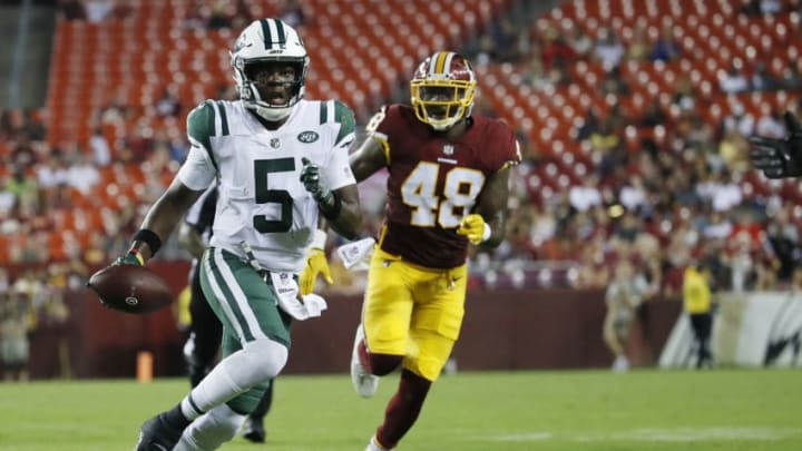 LANDOVER, MD - AUGUST 16: Quarterback Teddy Bridgewater #5 of the New York Jets scrambles with the ball in the fourth quarter of a preseason game against the Washington Redskins at FedExField on August 16, 2018 in Landover, Maryland. (Photo by Patrick McDermott/Getty Images)