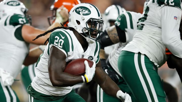 CLEVELAND, OH – SEPTEMBER 20: Isaiah Crowell #20 of the New York Jets carries the ball during the first quarter against the Cleveland Browns at FirstEnergy Stadium on September 20, 2018 in Cleveland, Ohio. (Photo by Joe Robbins/Getty Images)