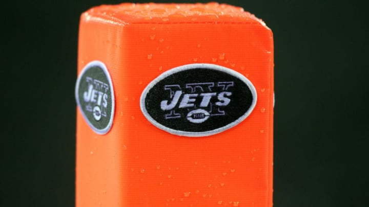 EAST RUTHERFORD, NJ - SEPTEMBER 13: An end zone marker with the New York Jets logo on sits on the field at the New Meadowlands Stadium on September 13, 2010 in East Rutherford, New Jersey. (Photo by Jim McIsaac/Getty Images)