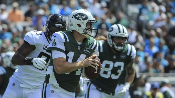 JACKSONVILLE, FL – SEPTEMBER 30: Sam Darnold #14 of the New York Jets runs with the ball against the Jacksonville Jaguars during the first half at TIAA Bank Field on September 30, 2018 in Jacksonville, Florida. (Photo by Sam Greenwood/Getty Images)