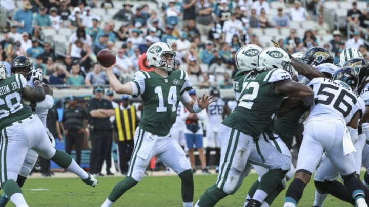 JACKSONVILLE, FL - SEPTEMBER 30: Sam Darnold #14 of the New York Jets drops back against the Jacksonville Jaguars during the first half at TIAA Bank Field on September 30, 2018 in Jacksonville, Florida. (Photo by Scott Halleran/Getty Images)
