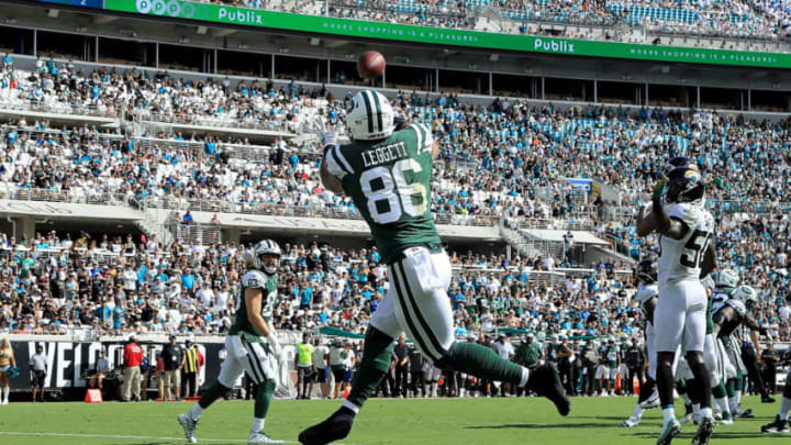 JACKSONVILLE, FL - SEPTEMBER 30: Jordan Leggett #86 of the New York Jets makes a reception for a touchdown during the game against the Jacksonville Jaguars on September 30, 2018 in Jacksonville, Florida. (Photo by Sam Greenwood/Getty Images)