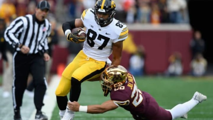 MINNEAPOLIS, MN – OCTOBER 06: Julian Huff #20 of the Minnesota Golden Gophers pushes Noah Fant #87 of the Iowa Hawkeyes out of bounds during the second quarter of the game on October 6, 2018 at TCF Bank Stadium in Minneapolis, Minnesota. (Photo by Hannah Foslien/Getty Images)