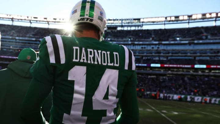 EAST RUTHERFORD, NJ - OCTOBER 21: Sam Darnold #14 of the New York Jets looks on agains tthe Minnesota Vikings during their game at MetLife Stadium on October 21, 2018 in East Rutherford, New Jersey. (Photo by Al Bello/Getty Images)