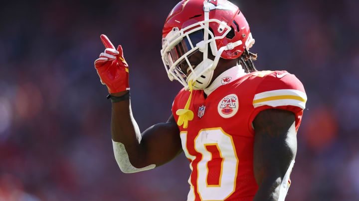 KANSAS CITY, MO – OCTOBER 28: Wide receiver Tyreek Hill #10 of the Kansas City Chiefs reacts after catching a pass during the game against the Denver Broncos at Arrowhead Stadium on October 28, 2018 in Kansas City, Missouri. (Photo by Jamie Squire/Getty Images)