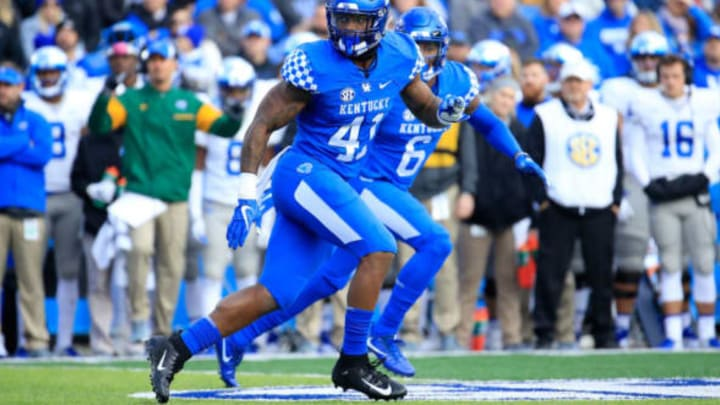 LEXINGTON, KY – NOVEMBER 17: Josh Allen #41 of the Kentucky Wildcats drops back in coverage against the Middle Tennessee Blue Raiders at Commonwealth Stadium on November 17, 2018 in Lexington, Kentucky. (Photo by Andy Lyons/Getty Images)