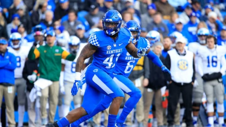 LEXINGTON, KY - NOVEMBER 17: Josh Allen #41 of the Kentucky Wildcats drops back in coverage against the Middle Tennessee Blue Raiders at Commonwealth Stadium on November 17, 2018 in Lexington, Kentucky. (Photo by Andy Lyons/Getty Images)