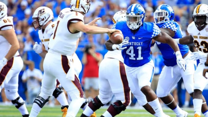LEXINGTON, KY - SEPTEMBER 01: Josh Allen #41 of the Kentucky Wildcats plays against the Central Michigan Chippewas at Commonwealth Stadium on September 1, 2018 in Lexington, Kentucky. (Photo by Andy Lyons/Getty Images)