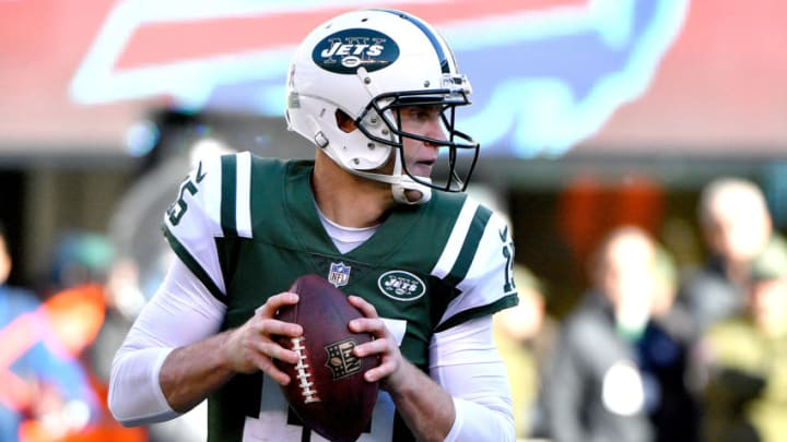 EAST RUTHERFORD, NEW JERSEY - NOVEMBER 11: Josh McCown #15 of the New York Jets looks to pass during the second quarter against the Buffalo Bills at MetLife Stadium on November 11, 2018 in East Rutherford, New Jersey. (Photo by Mark Brown/Getty Images)