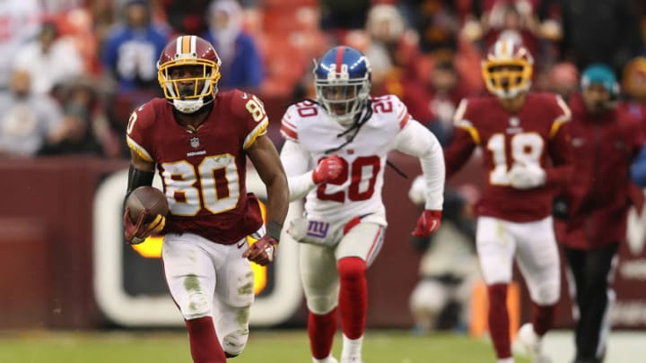 LANDOVER, MD - DECEMBER 09: Wide receiver Jamison Crowder #80 of the Washington Redskins runs for a touchdown after a catch in the fourth quarter against the New York Giants at FedExField on December 9, 2018 in Landover, Maryland. (Photo by Patrick Smith/Getty Images)
