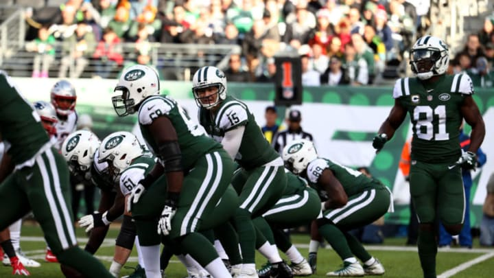 EAST RUTHERFORD, NEW JERSEY - NOVEMBER 25: Josh McCown #15 of the New York Jets in action against the New England Patriots during their game at MetLife Stadium on November 25, 2018 in East Rutherford, New Jersey. (Photo by Al Bello/Getty Images)