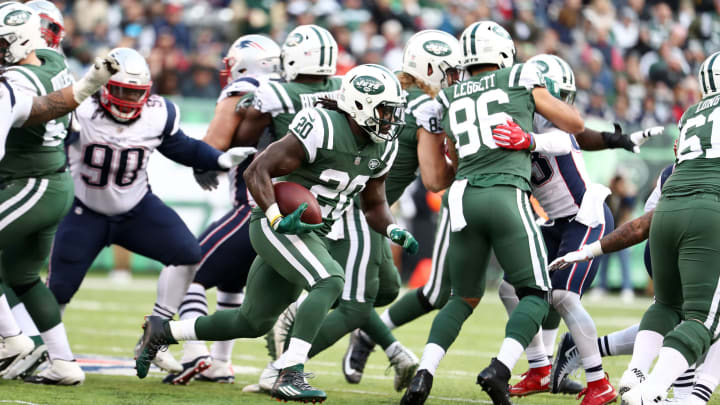 EAST RUTHERFORD, NEW JERSEY – NOVEMBER 25: Isaiah Crowell #20 of the New York Jets in action against the New England Patriotsduring their game at MetLife Stadium on November 25, 2018 in East Rutherford, New Jersey. (Photo by Al Bello/Getty Images)