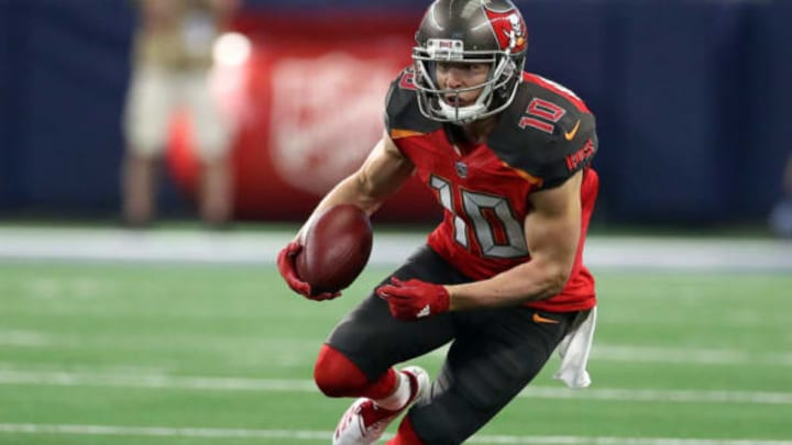 ARLINGTON, TEXAS – DECEMBER 23: Adam Humphries #10 of the Tampa Bay Buccaneers carries the ball against the Dallas Cowboys in the first quarter at AT&T Stadium on December 23, 2018 in Arlington, Texas. (Photo by Ronald Martinez/Getty Images)