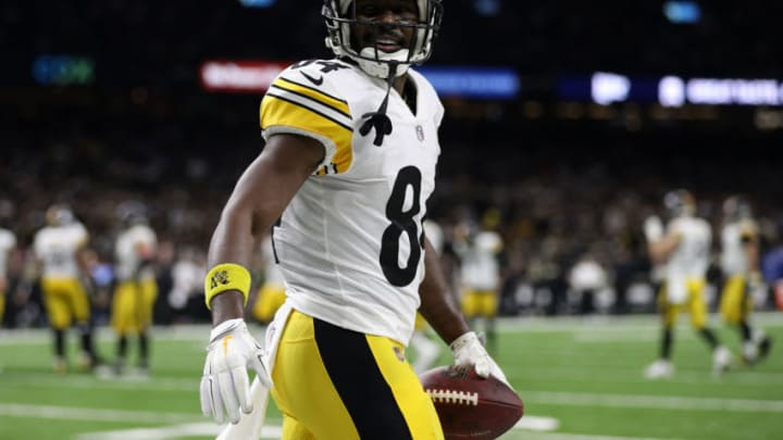 NEW ORLEANS, LOUISIANA - DECEMBER 23: Antonio Brown #84 of the Pittsburgh Steelers celebrates a touchdown during the second half against the New Orleans Saints at the Mercedes-Benz Superdome on December 23, 2018 in New Orleans, Louisiana. (Photo by Chris Graythen/Getty Images)